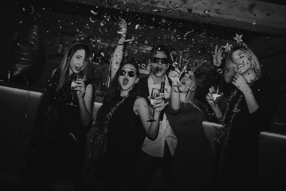 burlesque naktinis klubas vilniuje